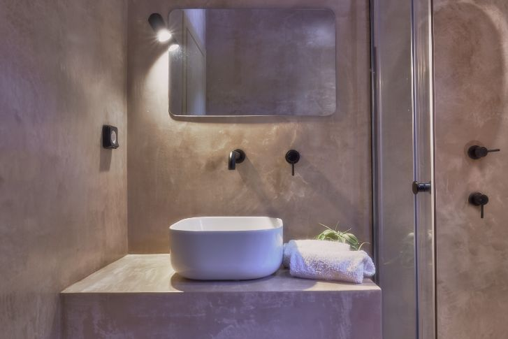 13 WC maisonette